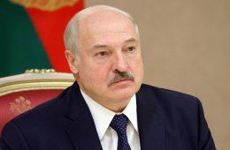 Лукашенко заявил, что обсуждал с Путиным вопросы цен на газ и нефть