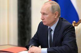 Медведев обсудил с главой Росатома строительство ледоколов и зеленую энергетику