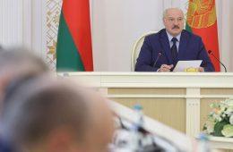 Лукашенко превратился в обиженного: ответ на санкции ударит по России